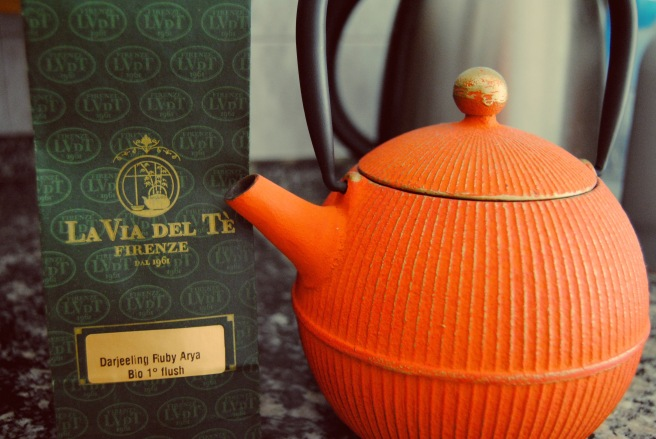 teiera giapponese e tè