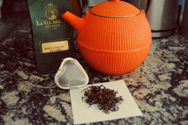 tè teiera e colino