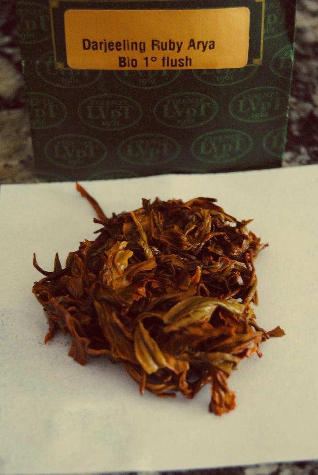foglie infuse e tè